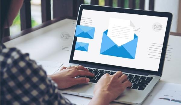 Email Marketing là một chiến lược tiếp thị, quảng bá sản phẩm thông qua hình thức gửi email