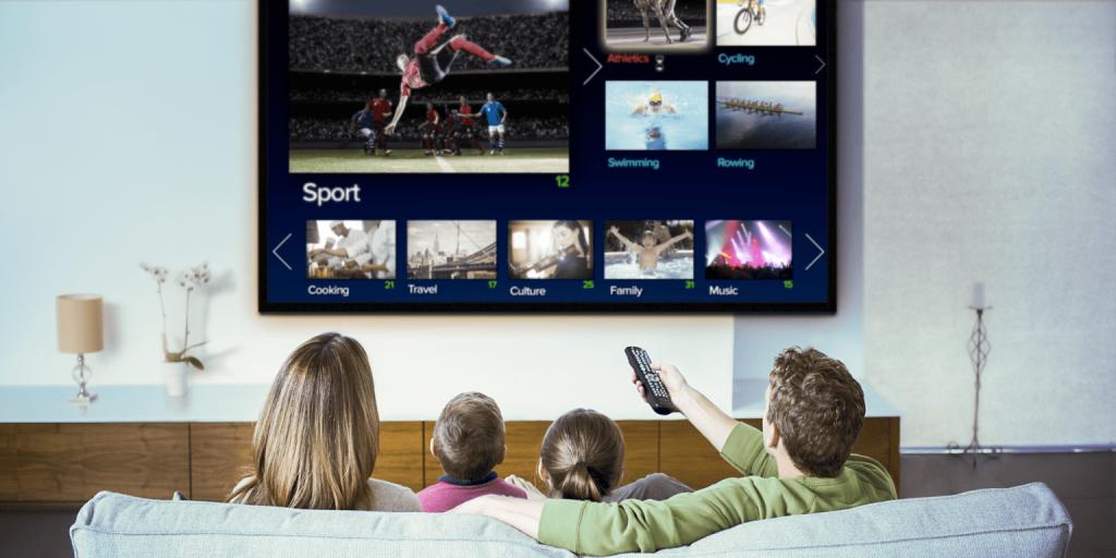 Quảng cáo trên tivi giúp doanh nghiệp tiếp cận được với nhiều đối tượng khách hàng