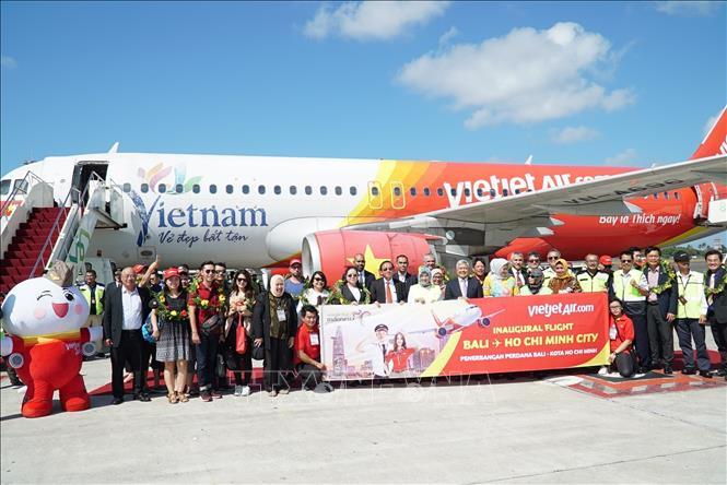 Liên doanh với các doanh nghiệp nội địa là chiến thuật để AirAsia mở rộng thị trường