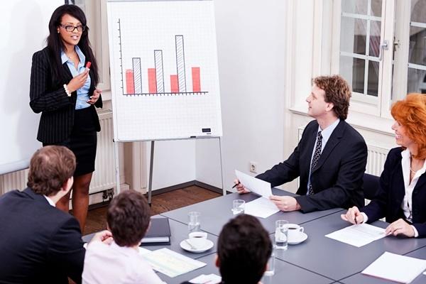 Trưởng phòng Marketing phát huy tốt tinh thần làm việc của cả nhóm